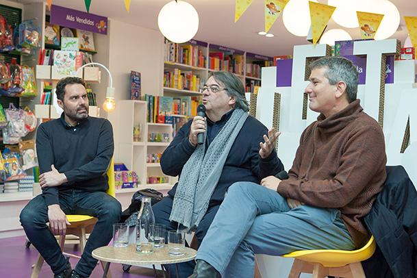 Conversación Aitor Vigalondo-y-Santiago Roncagliolo en Casa del Libro